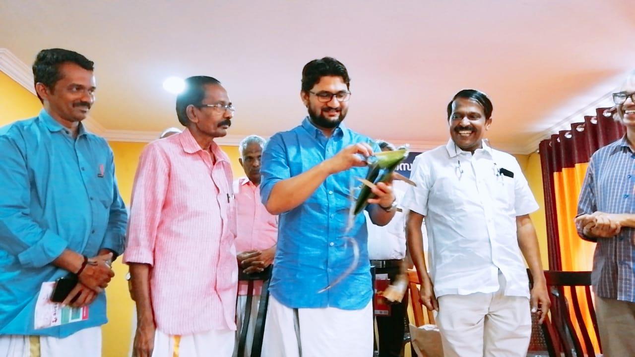 മാധ്യമ പ്രവർത്തകൻ ടി.വി.എം. അലിയുടെ അഞ്ചാം കഥാസമാഹാരം 'പൂഴിപ്പുഴ'യുടെ പ്രകാശനം നടന്നു