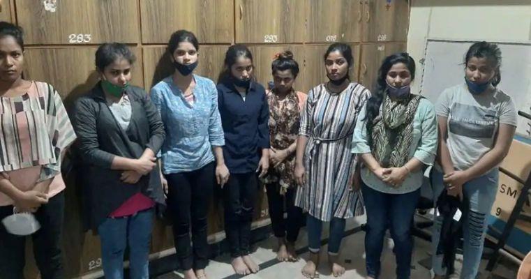 മനുഷ്യക്കടത്ത്: 15 ബംഗ്ലാദേശി സ്ത്രീകൾ ഉൾപ്പെടെ 17 പേർ പിടിയിൽ