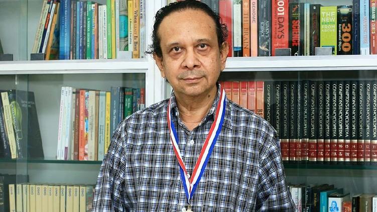 പ്രശസ്ത ഭൗതികശാസ്ത്രജ്ഞൻ താണു പത്മനാഭൻ അന്തരിച്ചു